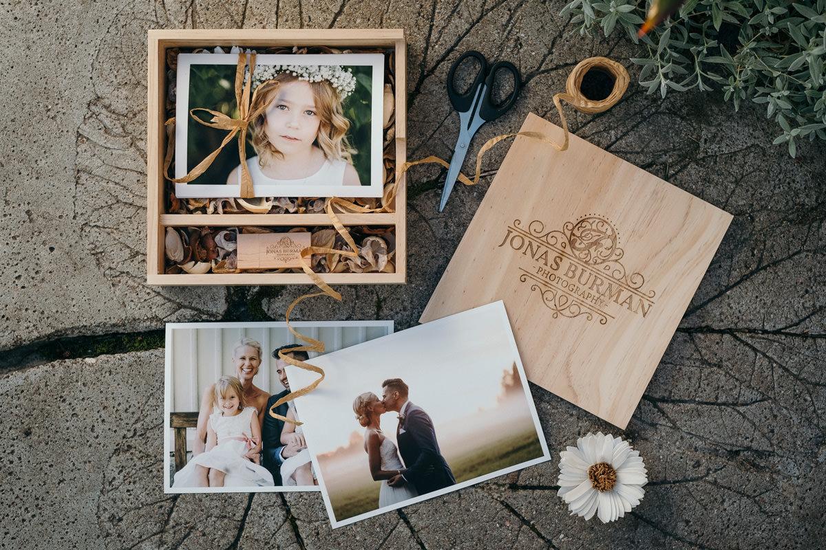andria lindquist, ärligt, authentic, bröllop, bröllopsfotograf, bröllopsfotografi, brudpar, calm, client experience, clients, connection, couples, experience, fotadig.nu, fotograf, fotografering, glad, glädje, glädjefyllt, jonas burman, joyful, känslor, lugn, moment design, photographer, photography, sverige, sweden, tavelsjö, umea, västerbotten, wedding, wedding photographer, wedding photography